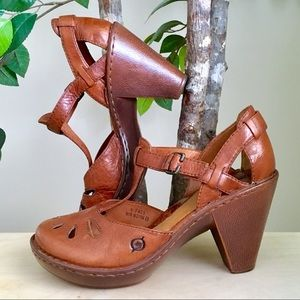 🆕 Born Brown Leather Chunky Heel Mary Janes, 9